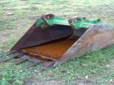 JCB 24 Inch Backhoe Bucket Attachment