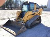 2009 Deere CT332 Skid Steer