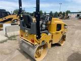 2017 Caterpillar CB22B Compaction - Asphalt Roller, 2017 cat CB22B Compaction - Asphalt Roller